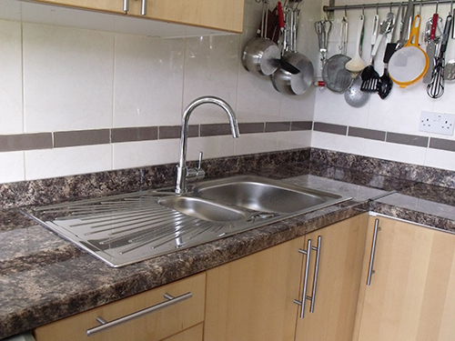 THIS WORKTOP HAS BEEN USED BEFORE BUT THIS TIME WITH N UPSTAND.